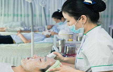 专业的肌肤检测